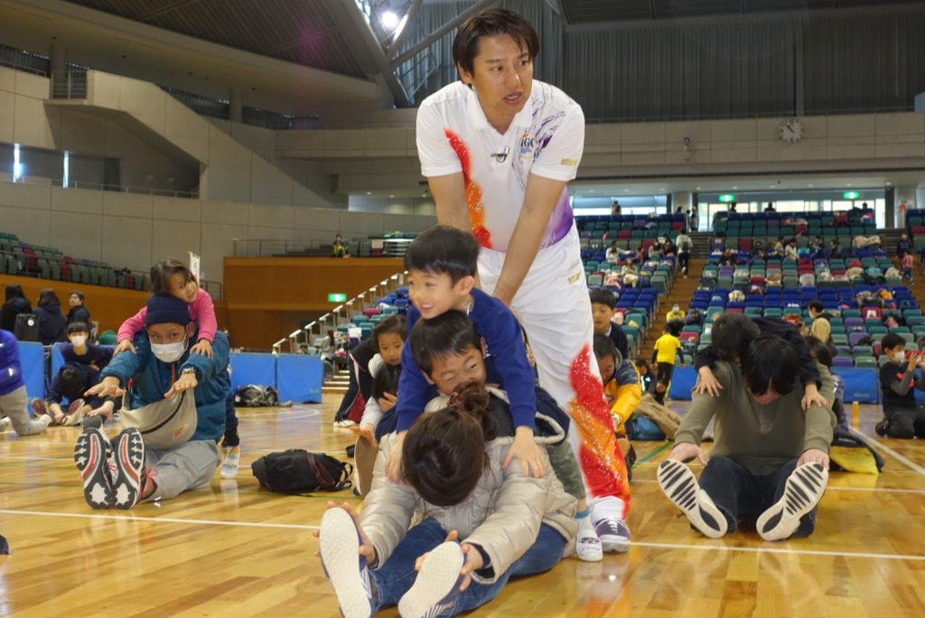 オリンピックメダリスト「池谷幸雄」さん直伝!親子体操教室
